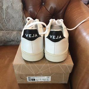 Veja Shoes - Vejas Veja size 10 NIB new in box white black